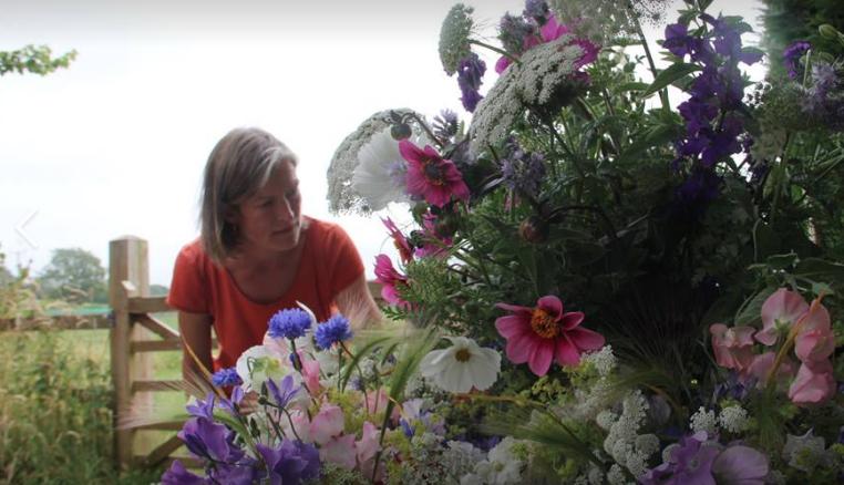 preparing-floral-decorations