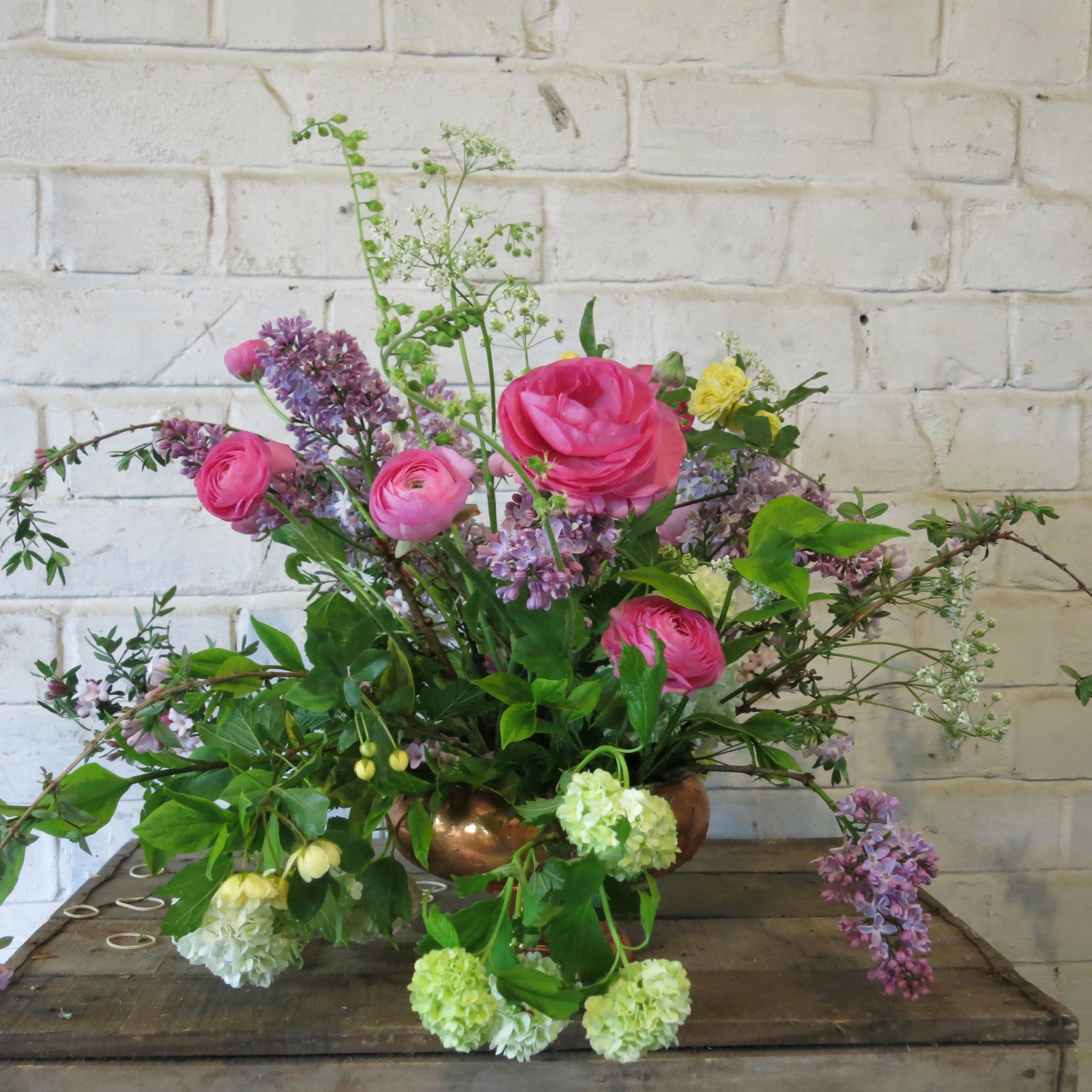 Spring-ranunculus-arrangement