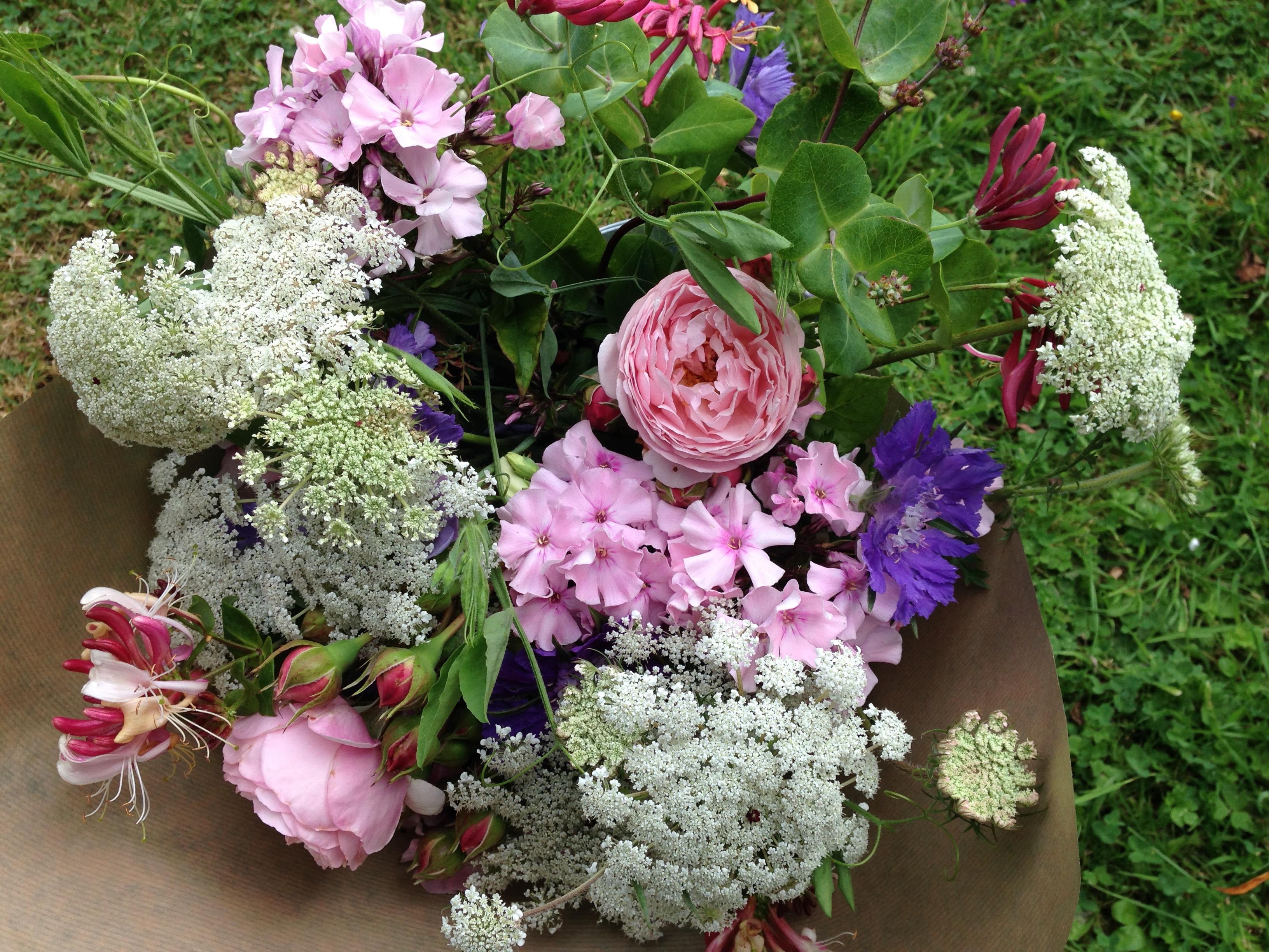 Summer-scented-bouquet